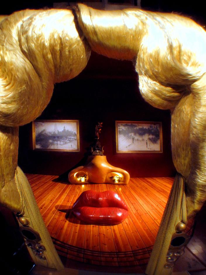 Dali S Mae West Room Installation Webringjustice